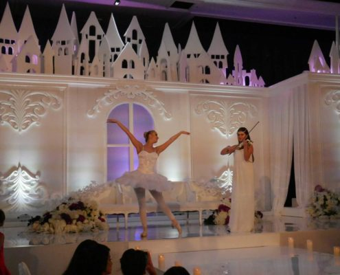 Ballerina Dubai, Violinist and Ballerina